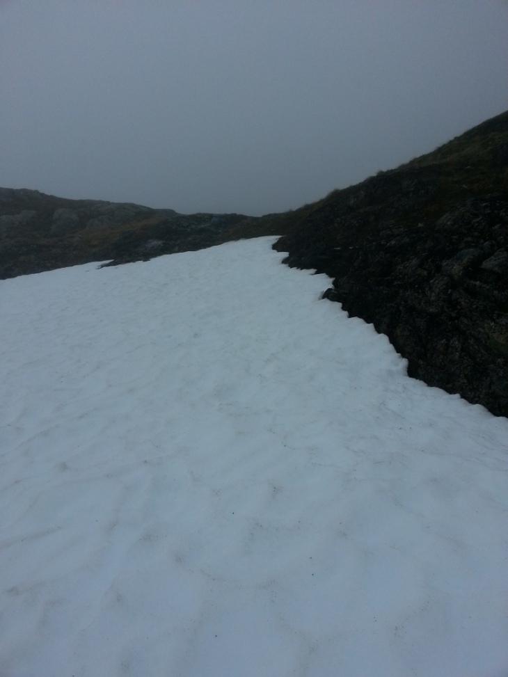 Fortsatt noe snø i fjellet, forhåpentligvis smelter alt til løpet 30.august.